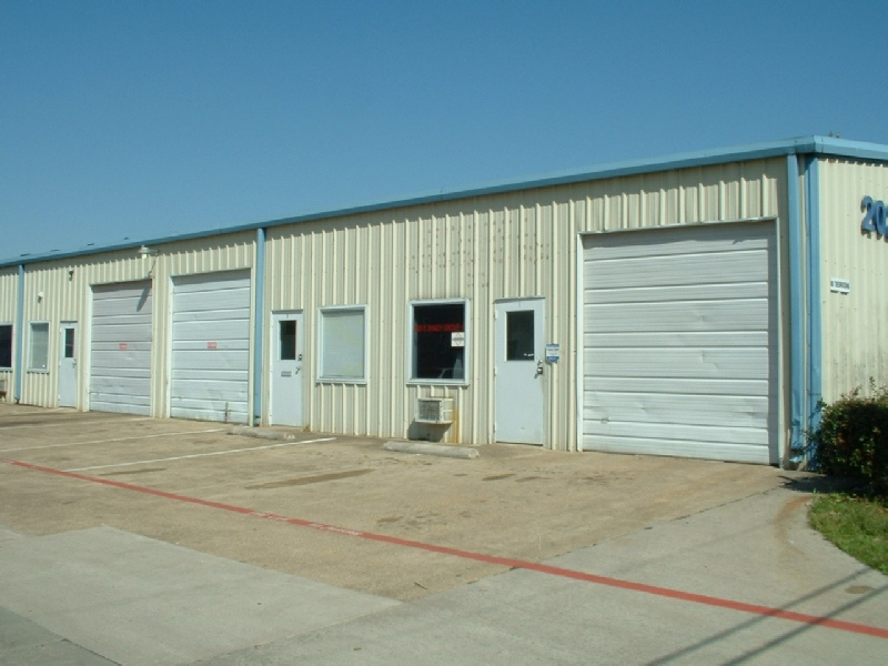 office and warehouse space. Contemporary And Property Features On Office And Warehouse Space